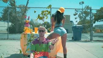"""YUNG GRAVY RELEASES NEW VIDEO """"MAGIC"""""""